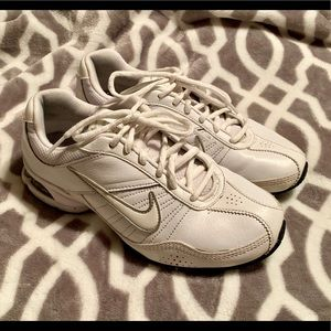 Women's White Nike Air Exceed 366650-111